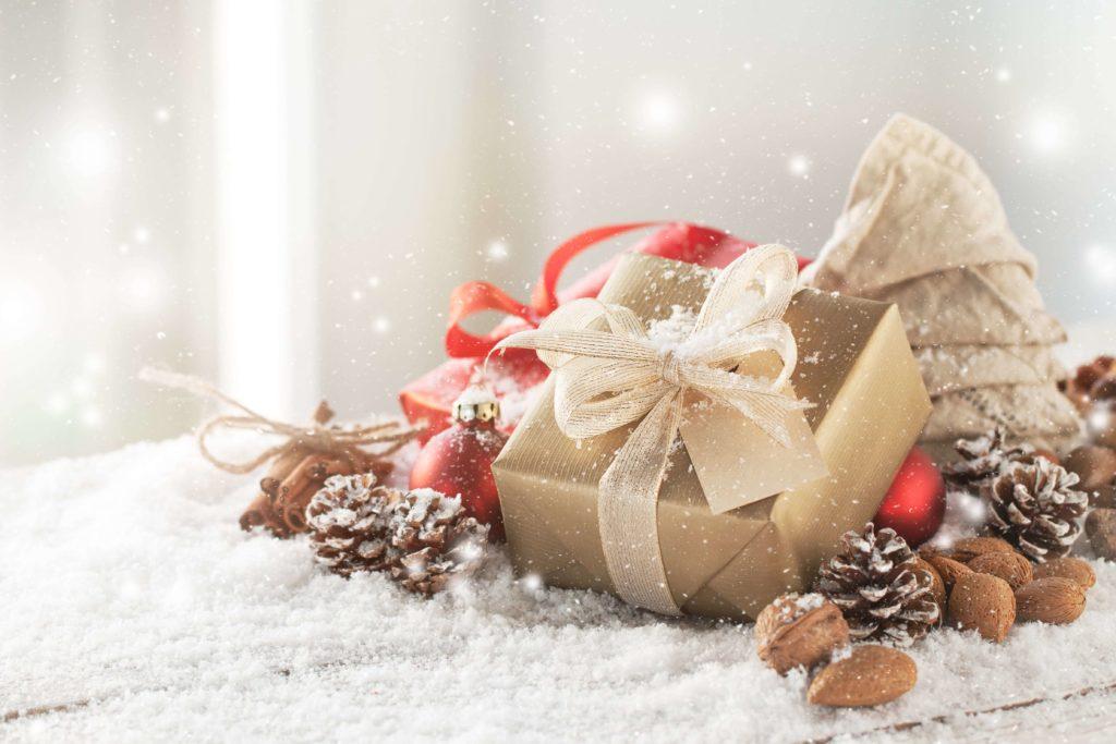 cadeau doré idée coffret cadeau beauté pour femmefemme - pranaloé boutique de cosmétiques bio en ligne