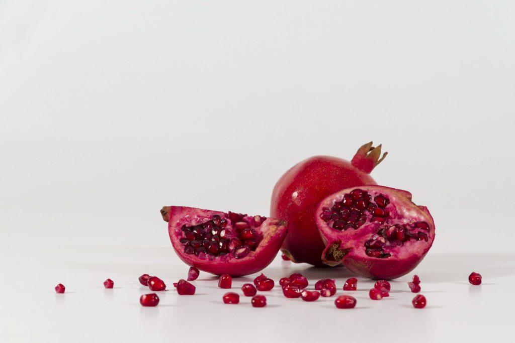 la grenade en cuisine - huile de pépin de grenade - pranaloé boutique en ligne de cosmétiques bio et blog beauté bio