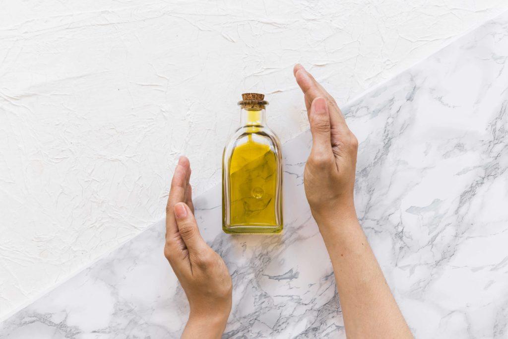 Huile de ricin pour arrêter la perte des cheveux - Pranaloé eshop de cosmétiques bio