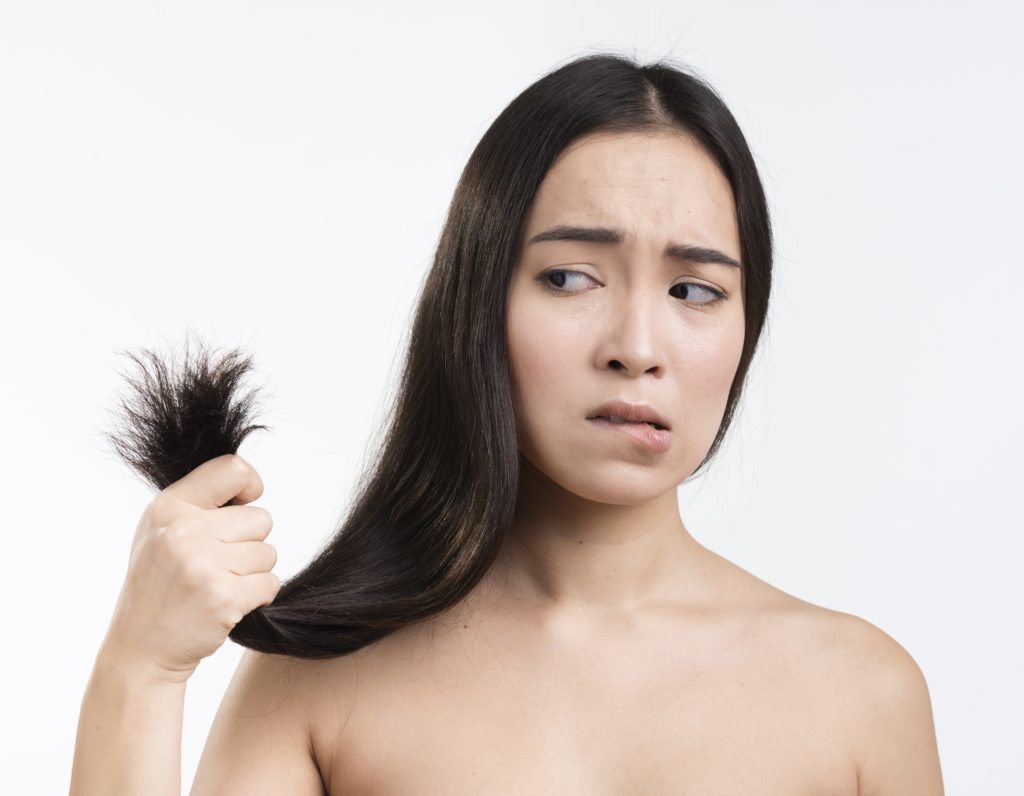 """cheveux secs et fourchus que faire - pranaloe <a href=""""https://fr.freepik.com/photos-vecteurs-libre/femme"""">Femme photo créé par freepik - fr.freepik.com</a>"""