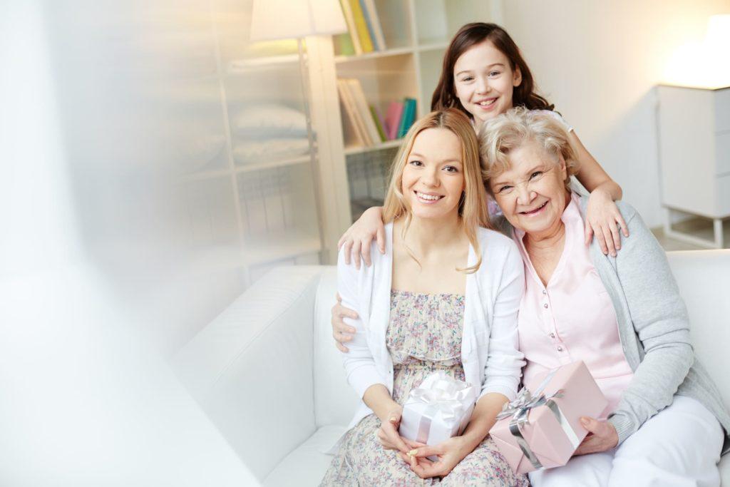 Fête des Mères - plusieurs générations d'amour - Pranaloé - ecommerce cosmétiques bio et naturels