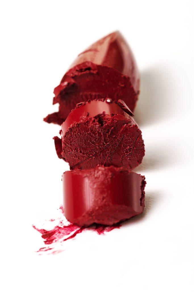 bâton de rouge à lèvres cassé : que faire ?  - pranaloé cosmétiques bio