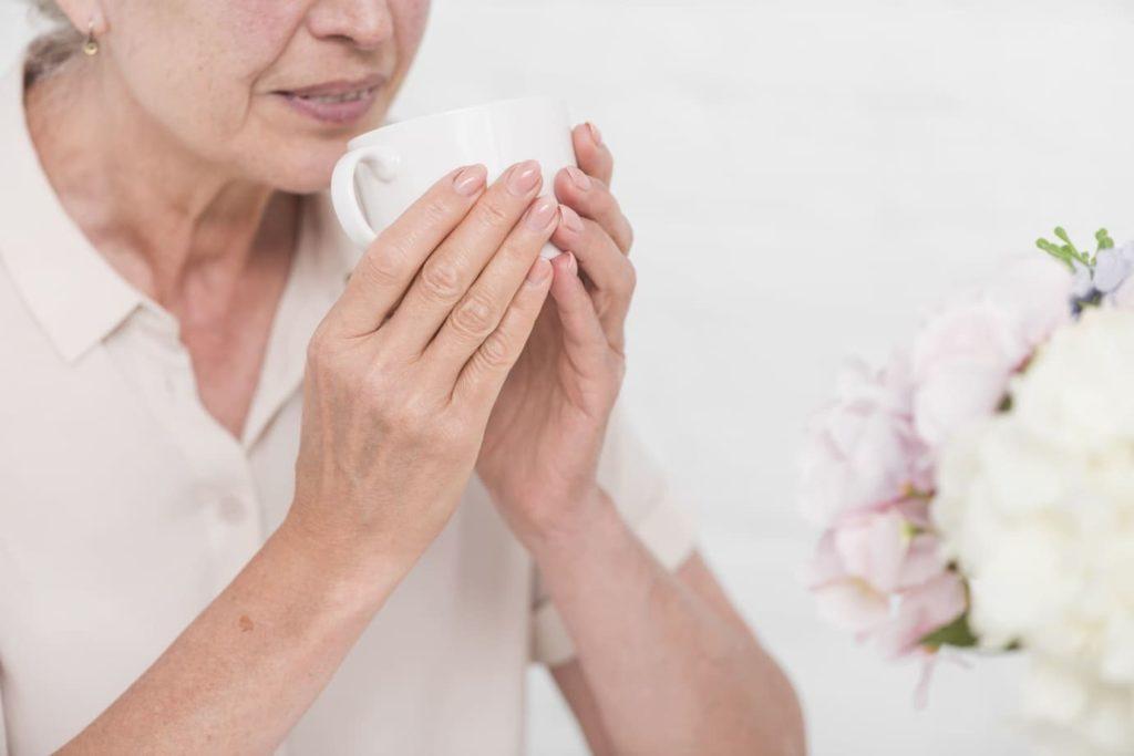 soin mains peau mature - Pranaloe - soins cosmetiques naturels et bio